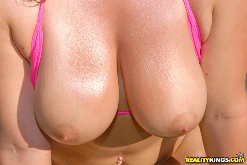 start downloading the hottest big natural titty babes